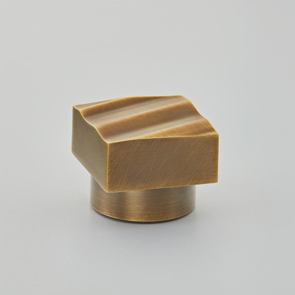 Wave Cabinet Knob